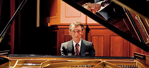Josef Bulva spielt Franz Liszt