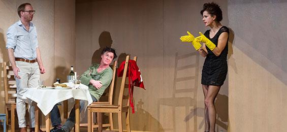 """""""Waisen"""" von Dennis Kelly im St. Pauli Theater. Foto: Oliver Fantitsch"""