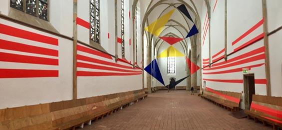 Felice Varini in Osnabrück: Trapeze, Dreiecke, Bögen und ein Zirkeltanz