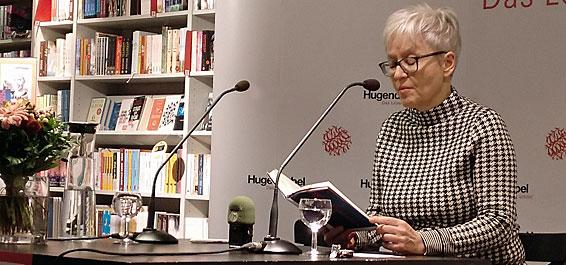 """Vom Wasser und von der Sicht aufs Leben: Ulrike Draesners Roman """"Kanalschwimmer"""""""