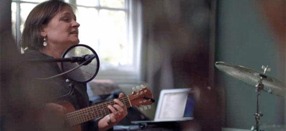 Madeleine Peroux: Anthem