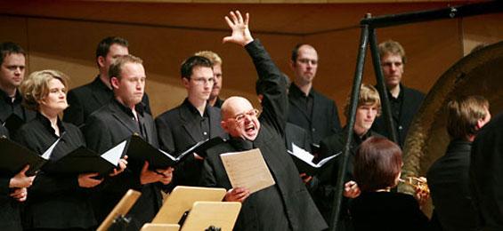 Im Gespräch: Claus Friede mit dem Komponisten, Performancekünstler und Dirigenten Rupert Huber