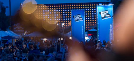 Reeperbahn Festival: Newcomer-Bühne und urbane Kunst