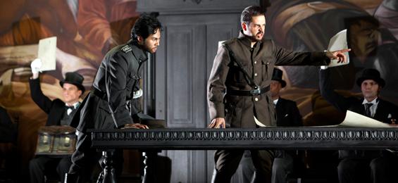 Drei Stücke in einem Kosmos. Verdi im Visier - Battaglia