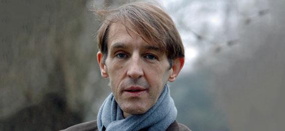 """Andreas Schmidt in der Komödie Winterhuder Fährhaus: """"Mittendrin"""""""
