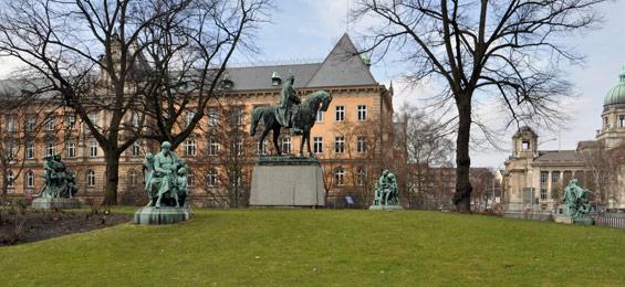 Das Kaiser-Wilhelm-Denkmal in Hamburg
