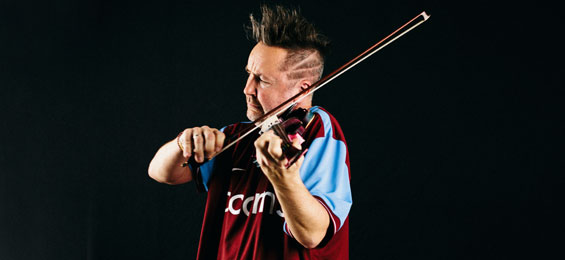 "Nigel Kennedy ""Bach meets my World"" in der Hamburger Laeiszhalle"