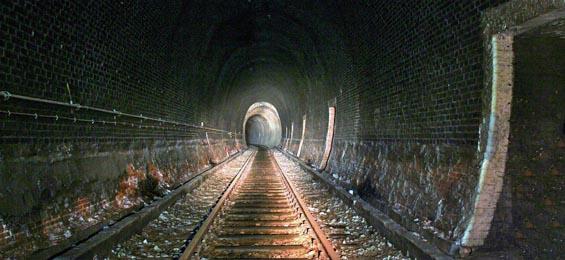 Der Schellfischtunnel – Ein Abstieg in die Unterwelt von Hamburg-Altona