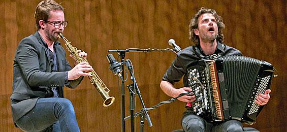 Elbphilharmonie: Blind Date mit dem Jazz-Duo Vincent Peirani und Emile Parisien Foto Clausdia Höhne