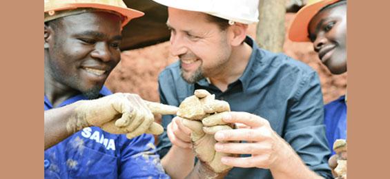 Jan Spille – Goldschmied, Kulturanthropologe und das Engagement für Fair Trade