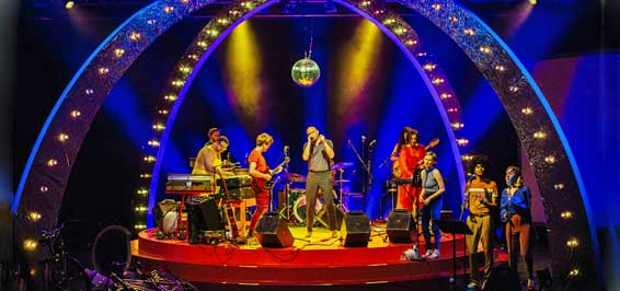 DDR-Schlager Weltraum-Fuzzys und Russische Rapper Foto Julia Steinigeweg