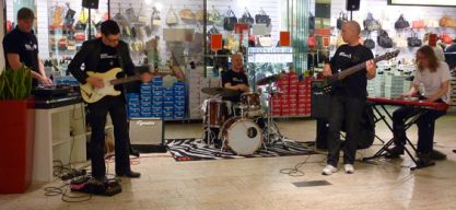 """Oh My God"" – die Modern Music School groovt in der HSH Shopping Passage"